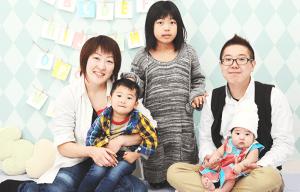100日記念写真の家族写真