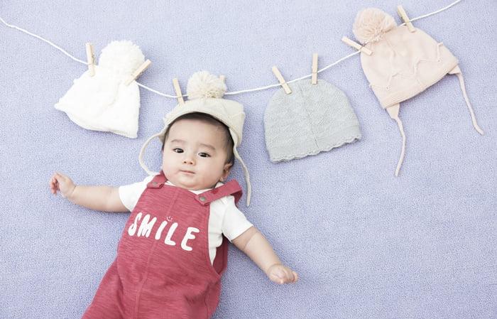 百日の赤ちゃん写真の寝相アート