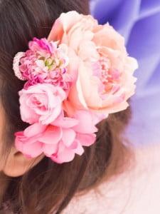 ピンク色の和花の髪飾り