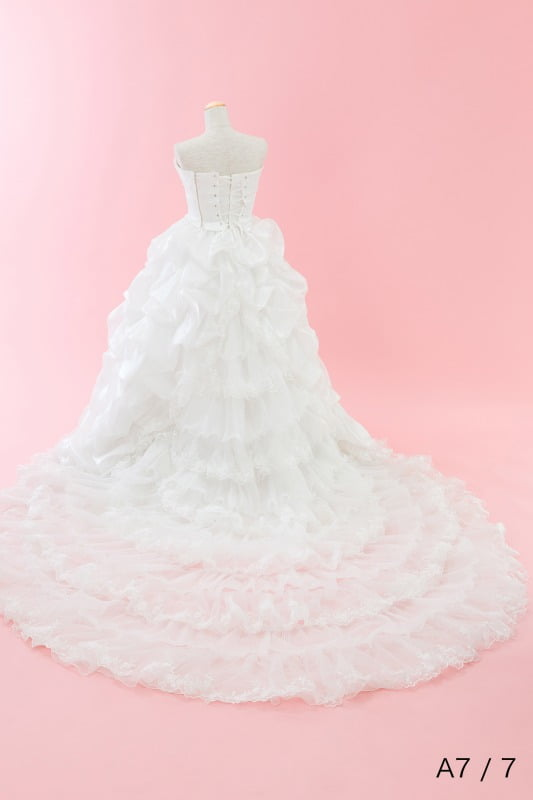 ウェディングドレス トレーン