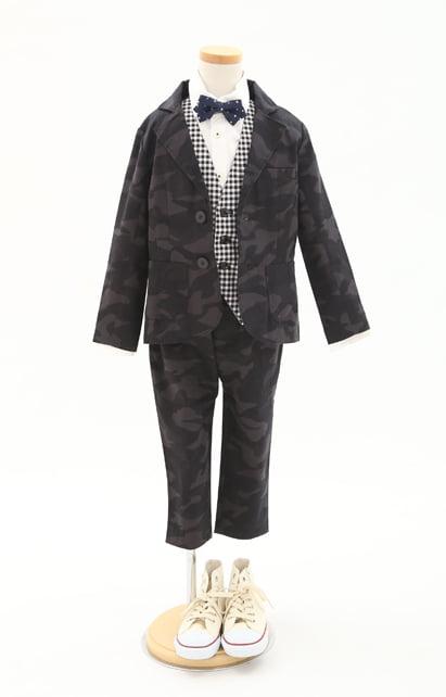 新作スーツ