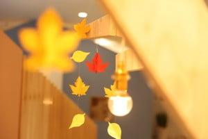 札幌西店のシンボルツリーが秋バージョンになりました!!