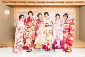 【ウイングベイ小樽店】振袖もドレスも着れちゃう?!成人写真の新しいスタイルは写真工房ぱれっとで!