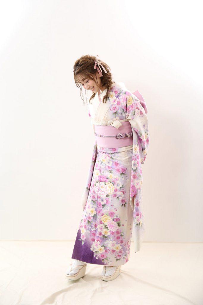 振袖にリボンの組み合わせがかわいい!札幌で人気の新作振袖コーデ